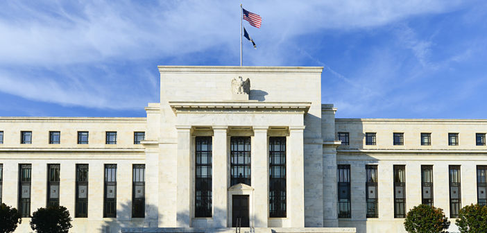 Voor beleggers is het moeilijk in te schatten welke kant het monetair beleid op gaat: zowel renteverhogingen als -verlagingen zijn mogelijk.