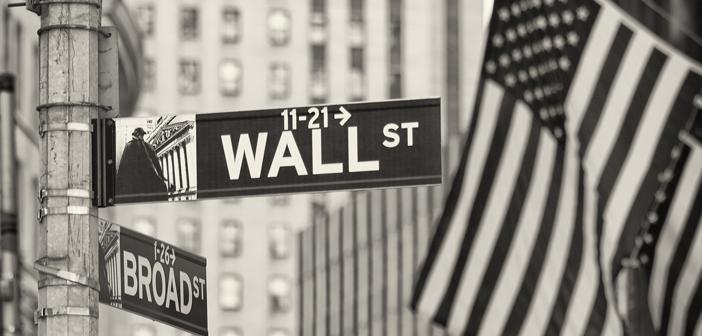 In een notitie aan klanten laat Paolini zich negatief over aandelen uit