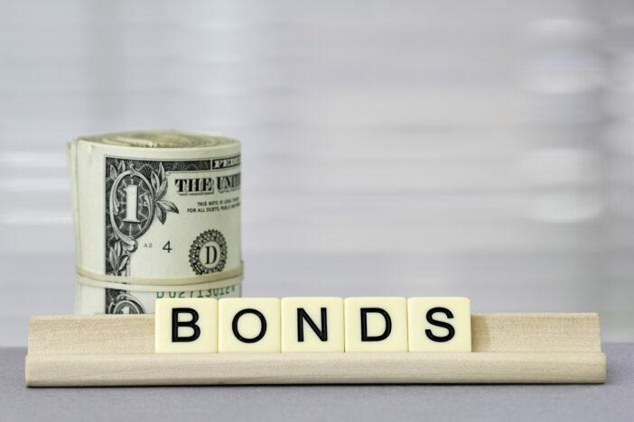 De komende maanden zullen de obligatiemarkten een rustig beeld laten zien, zo verwachtVolker Schmidt, Senior Portfolio Manager bij Ethenea Independent Investors. Bedrijfsobligaties zullen naar verwachting een positief resultaat blijven opleveren en de beleggers kopen nog steeds overheidsobligaties.