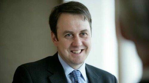 Keith Wade, hoofdeconoom van Schroders stelt zijn groeivooruitzichten voor de wereldeconomie bij.