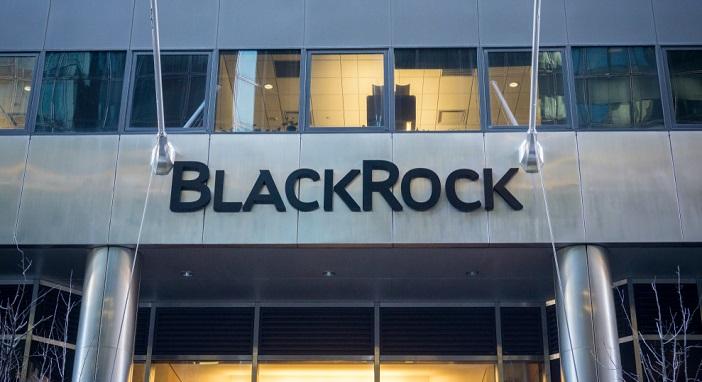 BlackRock heeft zijn verwachtingen voor de groei van de wereldeconomie verlaagd, vanwege de geopolitieke spanningen.